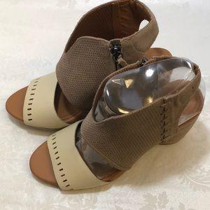 NWOB Emu Sarabah Tan Heel/Sandal Size 8